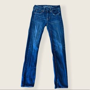 American Eagle Straight Super Stretch Jeans Size 2
